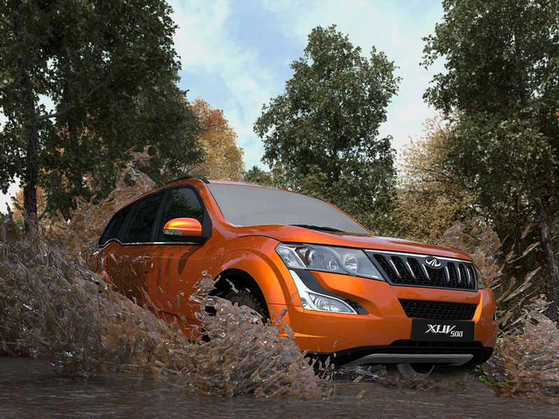 Mahindra Launches Petrol version of the XUV5OO at Rs. 15.49Lakh