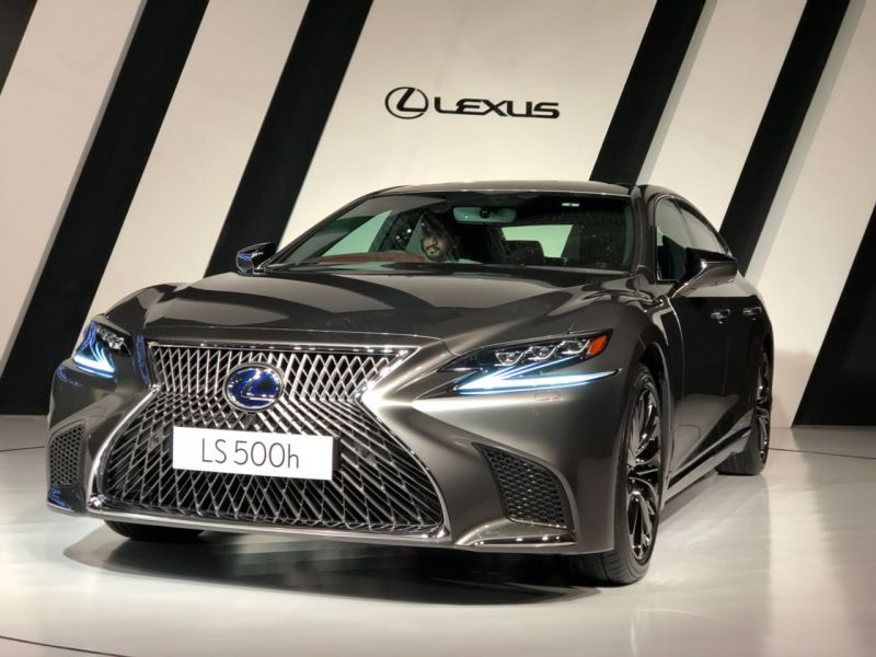 LIVE! 2018 Lexus LS 500h launched in India at Rs. 1.77 crore