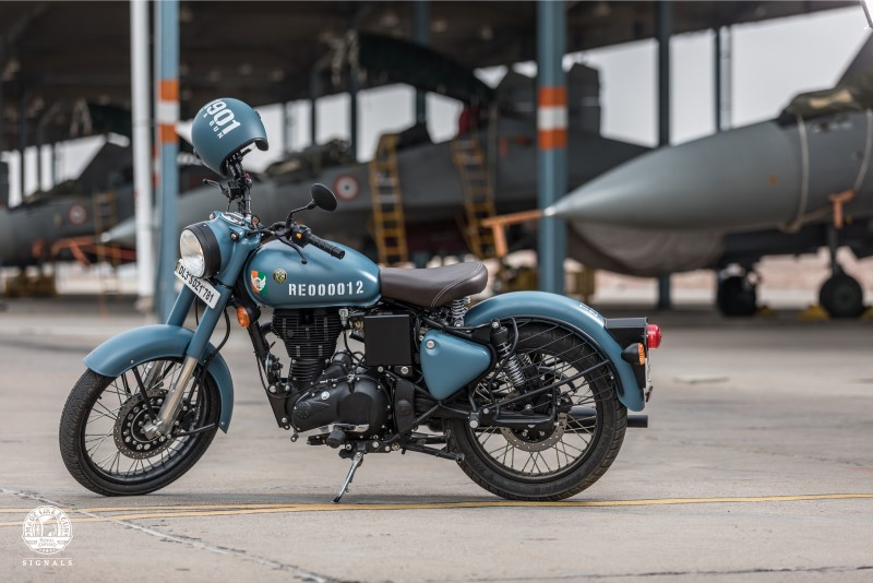 Royal Enfield Launches Classic Signals 350 with ABS, Prices Start Rs. 1.62 Lakh