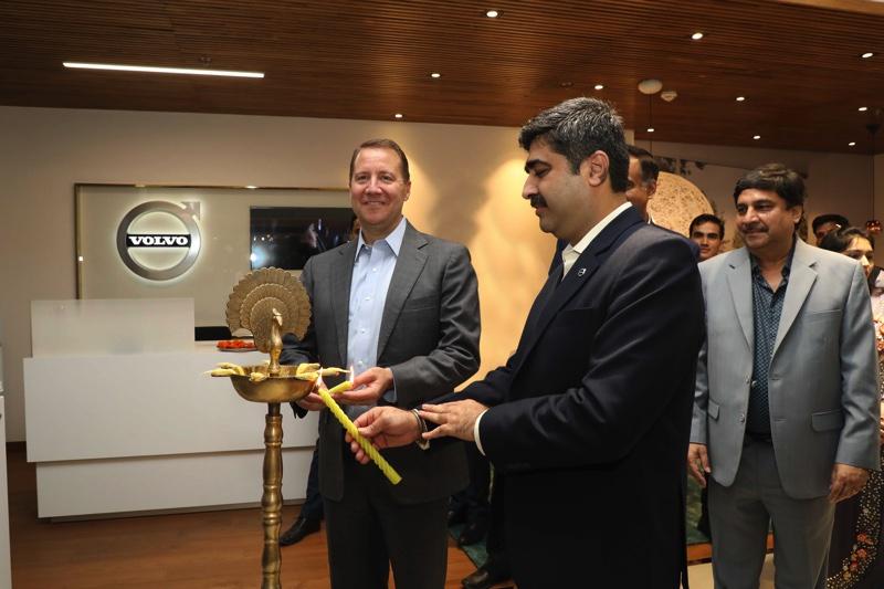 Volvo Expands Dealer Network, Opens Boutique Showroom in Noida