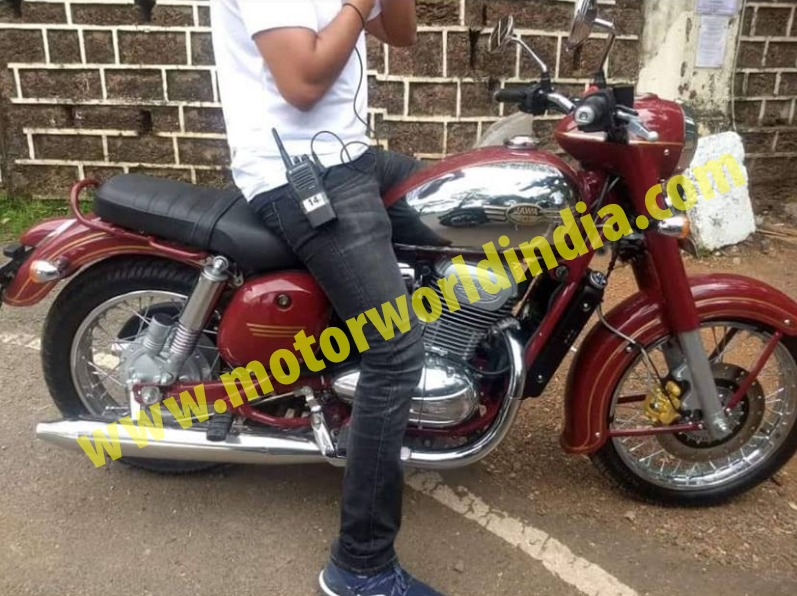 Super Scoop – Jawa 300 Caught Totally Undisguised, Looks Extremely Retro and Identical to the 60s Classic Jawa