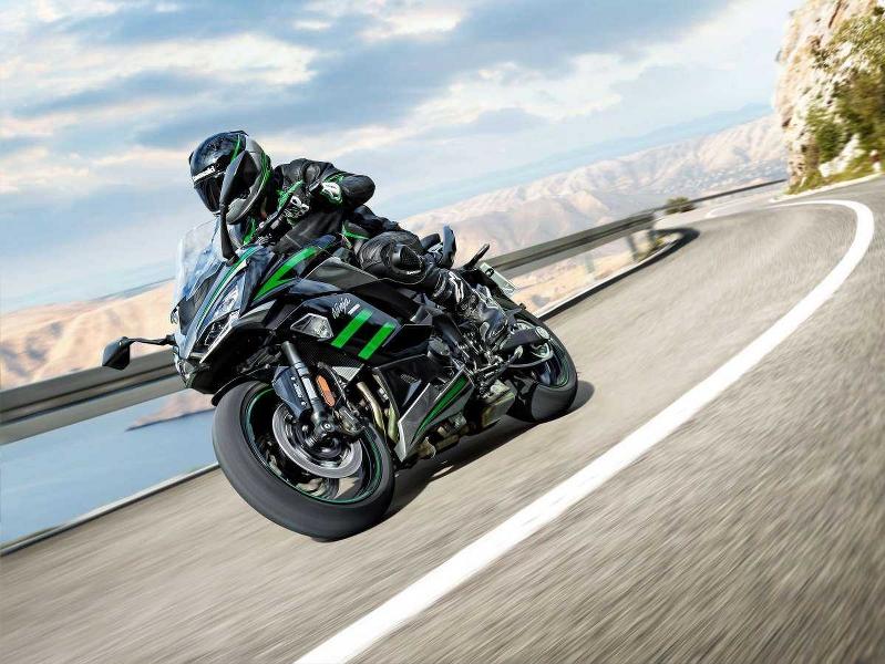 LIVE : Kawasaki Launches the MY21 Ninja 1000 SX BS-VI